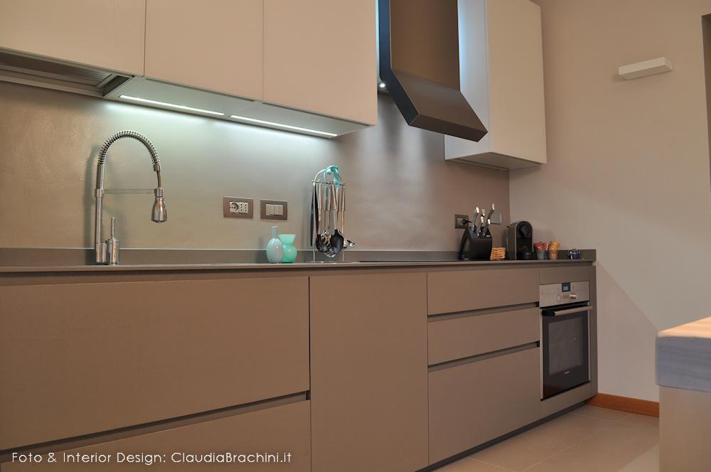 Interior design cucine claudia brachini torino - Parete cucina resina ...