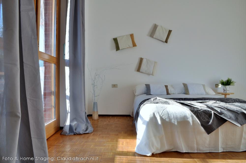 Particolare home staging letto