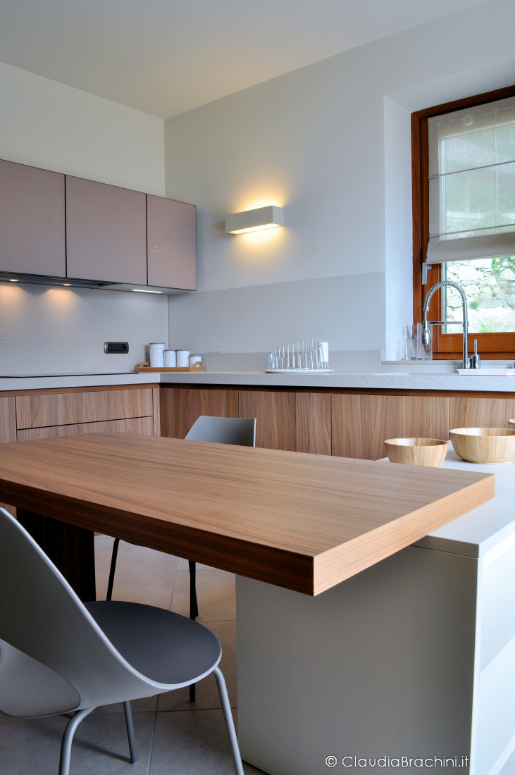Interior design villa a condove claudia brachini torino - Colore noce canaletto ...