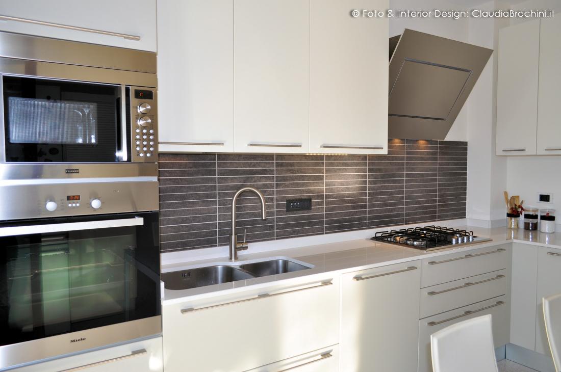 Interior design cucine claudia brachini torino - Cucina con cappa ad angolo ...