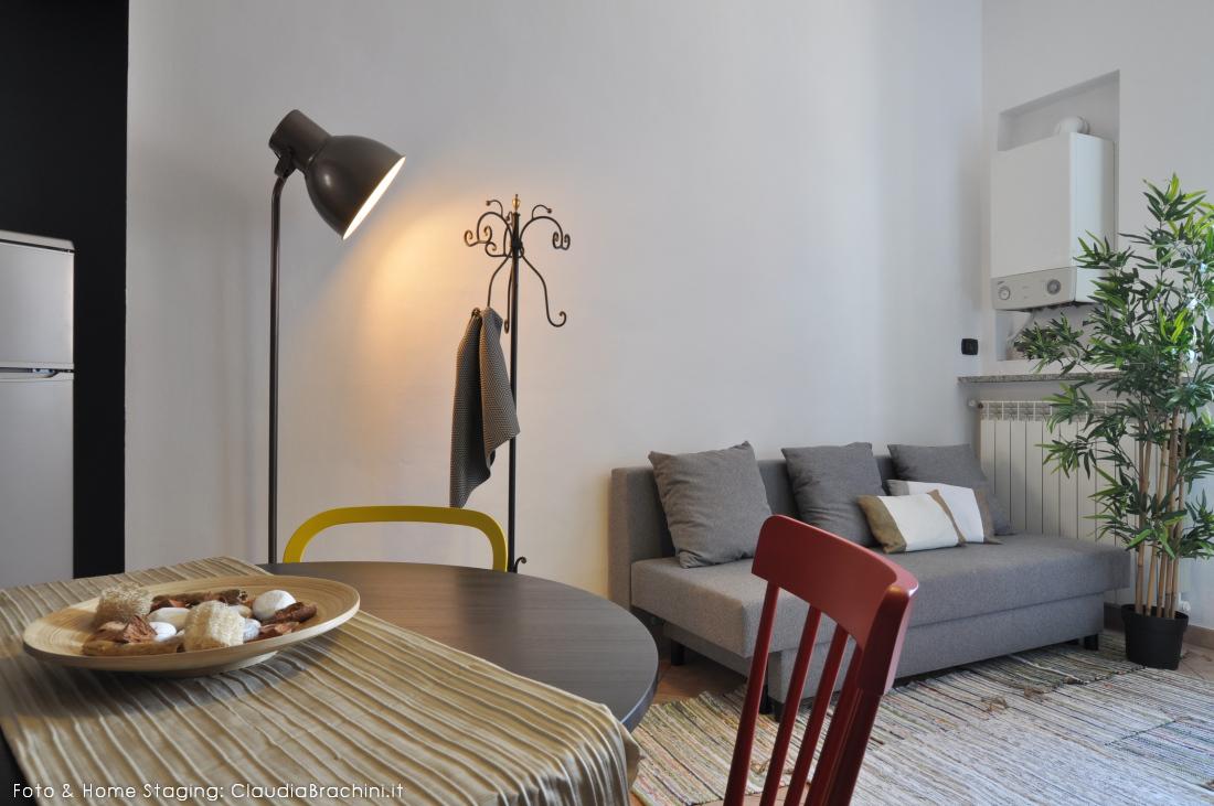 Realizzazione appartamento per airbnb ruote di for Arredamento appartamento completo
