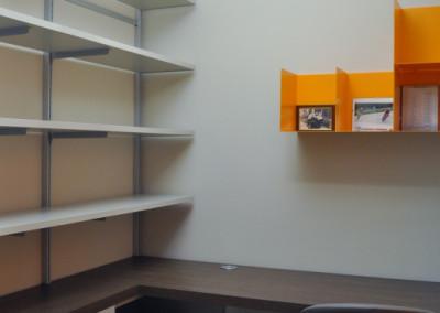 studio con libreria a cremagliera