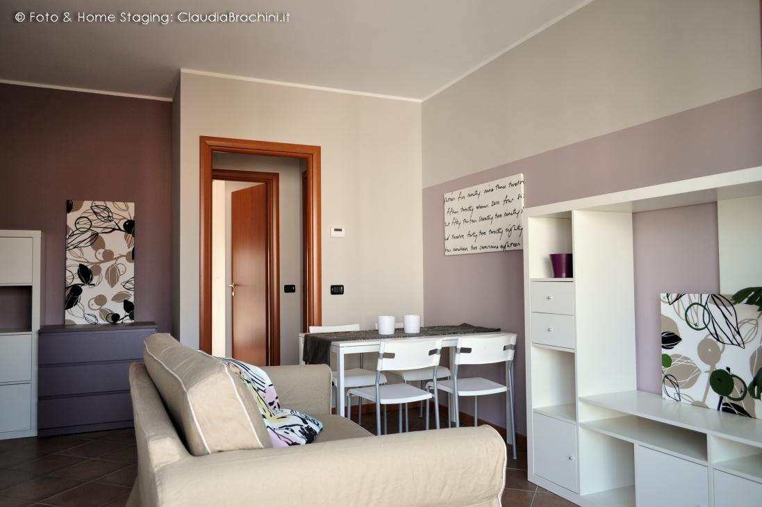 Appartamento arredato per l affitto rivoli claudia for Appartamento arredato torino